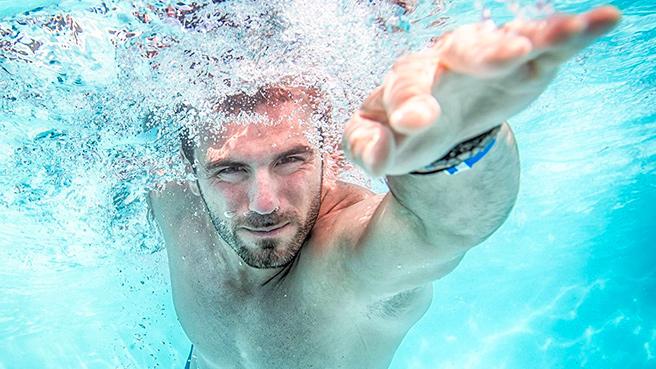 Как научиться плавать взрослому человеку самостоятельно (кролем, брассом, баттерфляем)